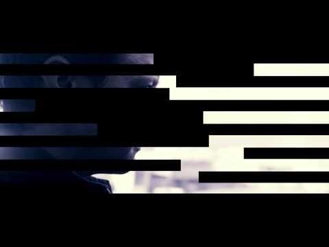 Das Bourne Vermächtnis Trailer deutsch.. erweitert das Bourne Universum von Robert Ludlum um ein Kapitel, dass von einem neuen Protagonisten (Jeremy Renner) handelt. Dieser befindet sich in einem Überlebenskampf, der durch die Ereignisse der ersten drei Teile ausgelöst wurde. 2012 im Kino!    Neben den Bourne-Newcomern Rachel Weisz, Edward Norton, Stacy Keach und Oscar Isaac treten die Veteranen Albert Finney, Joan Allen, David Strathairn und Scott Glenn in ihren vertrauten Rollen auf.