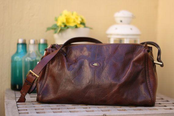 Borsa The Bridge a tracolla modello baguette vintage italiano di Firenze. / Original geniune leather italian shoulder Bag. #bag #vintage #leather #italian