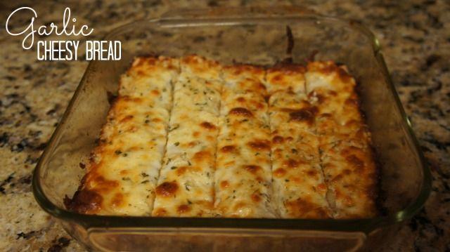 Garlic Cheesy Bread Gluten Free made with Bob's Red Mill Pizza Crust Mix | EasyGreenMom