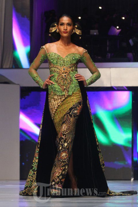 20140904_155508_fashion-show-anne-avantie-25-tahun-berkarya.jpg