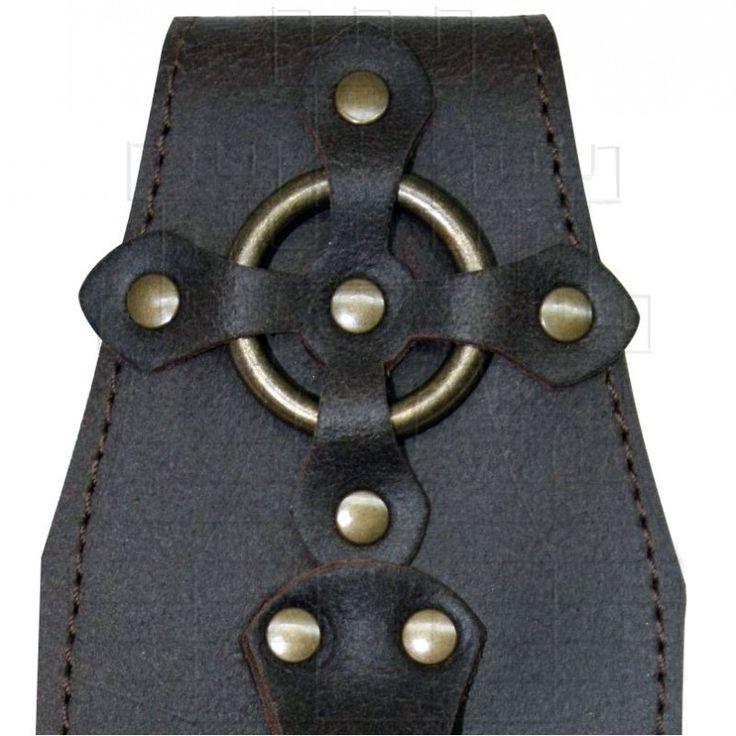 Tahalí de piel para cinturón diseñado especialmente para hachas. Se coloca en el cinturón con una sujeción fija (Ancho máximo de cinturón…