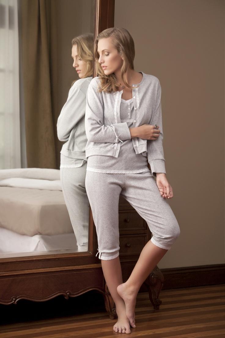 Pijama 3 piezas (pescador, musculosa y saquito) tela desagujada.