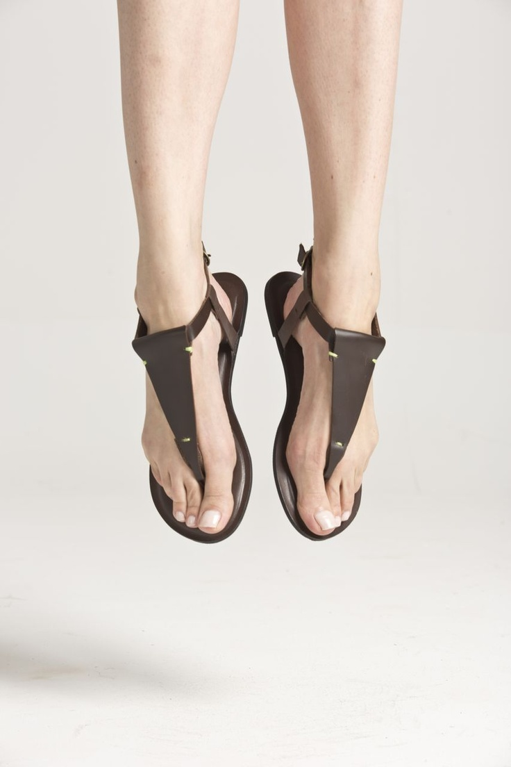 I love these beautiful sandals by Golago , I'm so impressed by this idea , they are interchangeable!!!