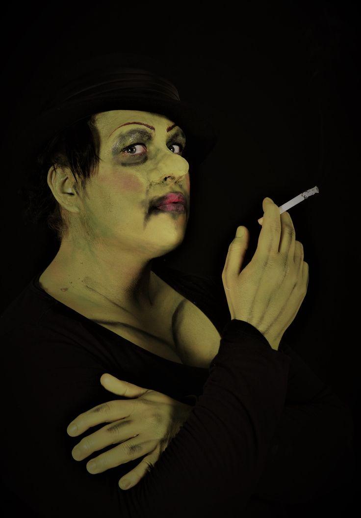 Breaking Iona Photography: Ed van Rouwendal Special Makeup: Noa Maria