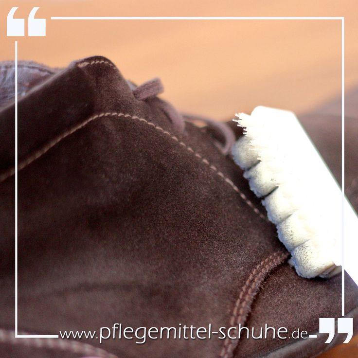 Willkommen bei SCHUHPFLEGE - Pflegemittel-Schuhe.de Unsere Passion ist die hochwertige Schuhpflege. Ein Portal mit ausgesuchten, hochwertigen Schuhpflegemittel, Schuhlöffel, Einlegesohlen, Schuhbürsten, Schnürsenkel und vieles mehr!