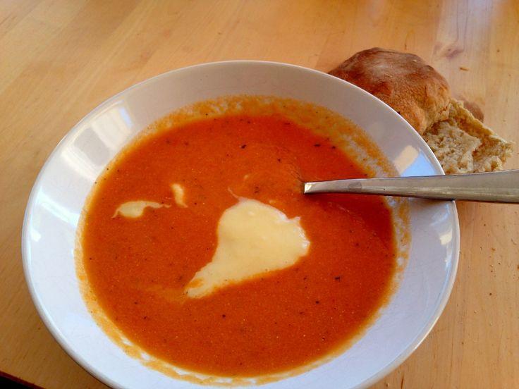 Morotssoppa med aioli | Jävligt gott - en blogg om vegetarisk mat och vegetariska recept för alla, lagad enkelt och jävligt gott.