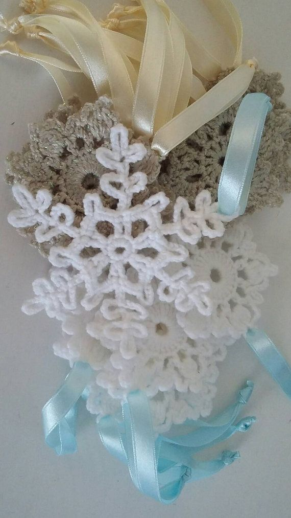 Snowflake//price/item//christmas//ornaments//white//crochet//h