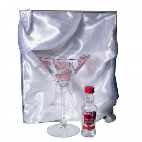 Personalised Cocktail and Vodka Set - Love & Kisses £24.99 - The Wedding Gift Company