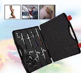 Mit unseren 16-teiligen TMB-AIR-PISTOL Profi Set (TMB 812) erhalten Sie eine komplette und hochwertige Grundausstattung an 6 Double-Action Fine Tune Airbrush-Pistolen für die Anwendungsbereiche Modellbau, Lackierung und Lackreparatur, Tattoo, Bodypainting, Nail Art, Tanning, Fingernagel Design und andere kleine Flächen. AP1