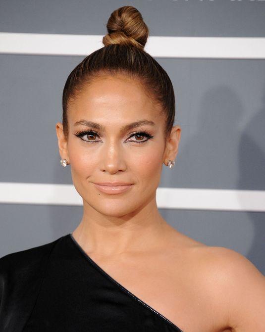 Jennifer Lopez Makeup Looks to Steal - Jennifer Lopez Makeup Tutorials - Cosmopolitan