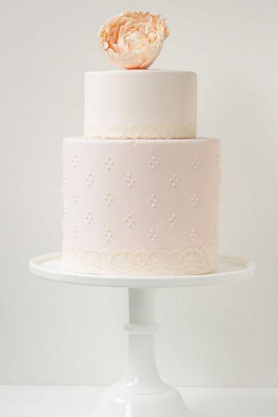 Vintage Bride ~ Hello Naomi Wedding Cake [hellonaomi.com.au] ~ [vintagebridemag.com.au] ~ #vintagebride #vintagewedding #vintagebridemagazine