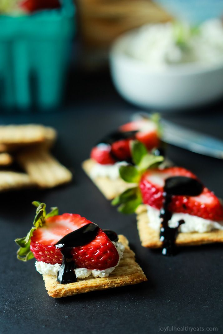 easy strawberry goat cheese bites with balsamic reduction an easy ...