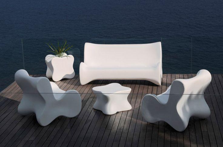 Outdoor Small armchair Doux by Vondom | #designbest @vondom