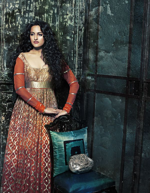 Bollywood, Tollywood & Más: Sonakshi Sinha Photoshoot Namrata Soni makeup & hair