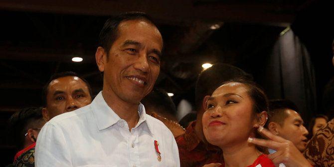LegendaPoker.com: Jokowi beri penghargaan Satya Lencana pada Bupati ...