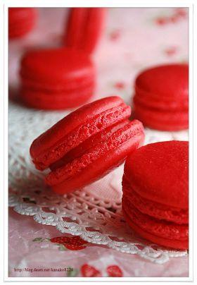 「真っ赤な苺のマカロン♪」kanako | お菓子・パンのレシピや作り方【corecle*コレクル】
