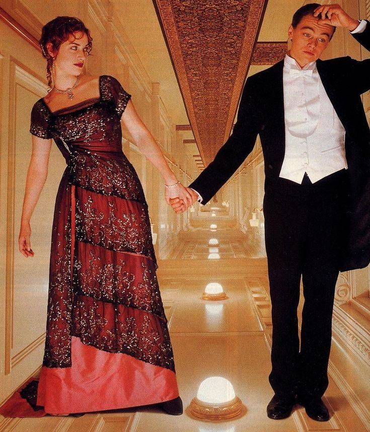 Kate Winslet + Leonardo DiCaprio.