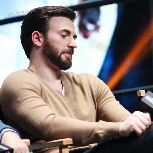 #TBT Chris Evans at the Premiere of The Winter Soldier in Beijing (2014)…