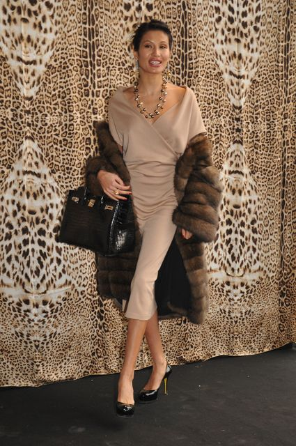 goga-ashkenazi. love the dress!
