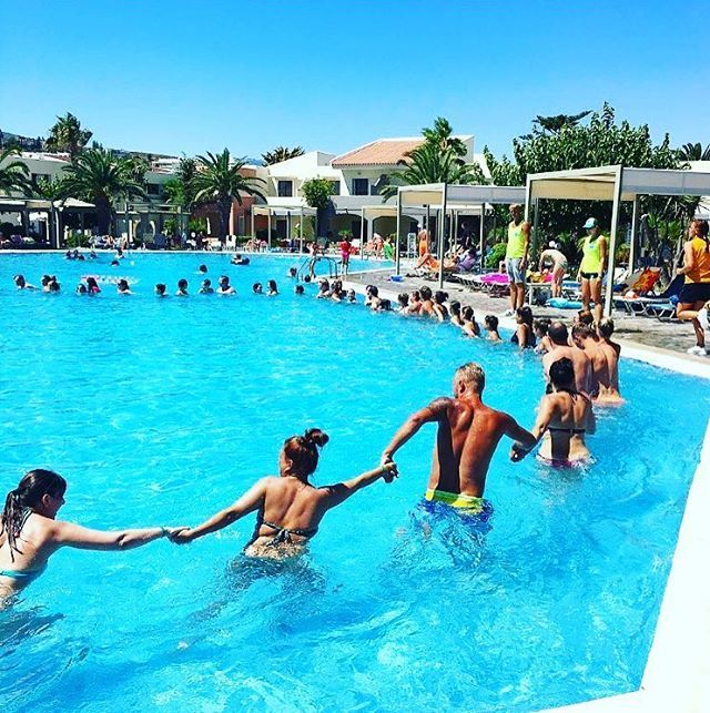 Enjoy a variety of fitness classes at Kipriotis Village including aqua aerobic class. Great photo by instagrammer @SHISTINJSH #KipriotisHotels #KipriotisVillageResort #Kosisland