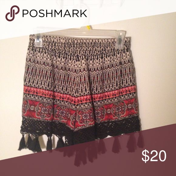 Flowy Shorts never worn shorts! perfect condition. tv $30 Shorts
