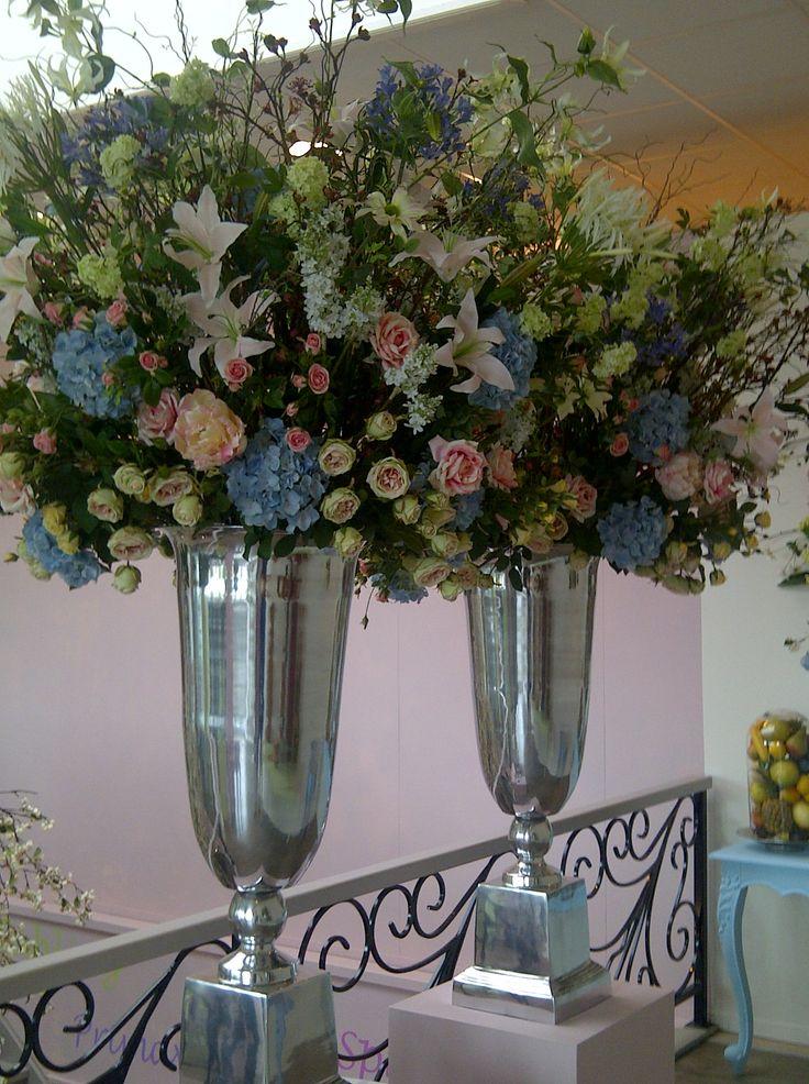 Bloemstukken voor bruiloften - Zijden Bloemstuk Lelie Roos
