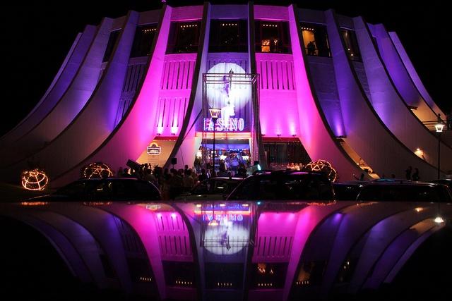Een van de bekendste gebouwen in Funchal is het futuritische casino, ontworpen door  Oscar Niemeyer.