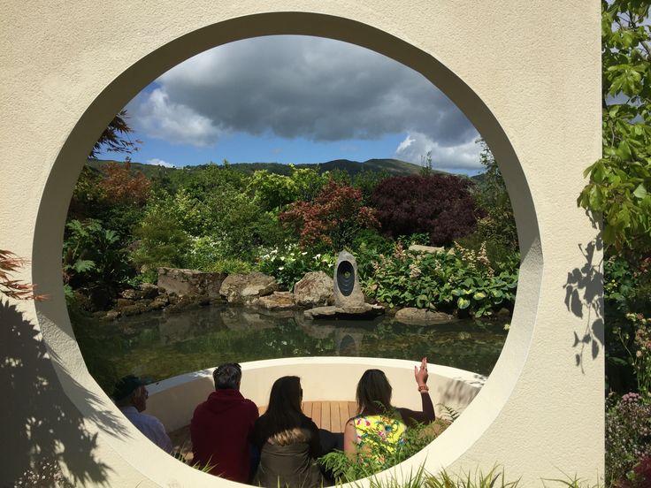 Through the round, window see the #MalvernHills! #visitmalvern #malvernaccommodation #walkthemalvernhills