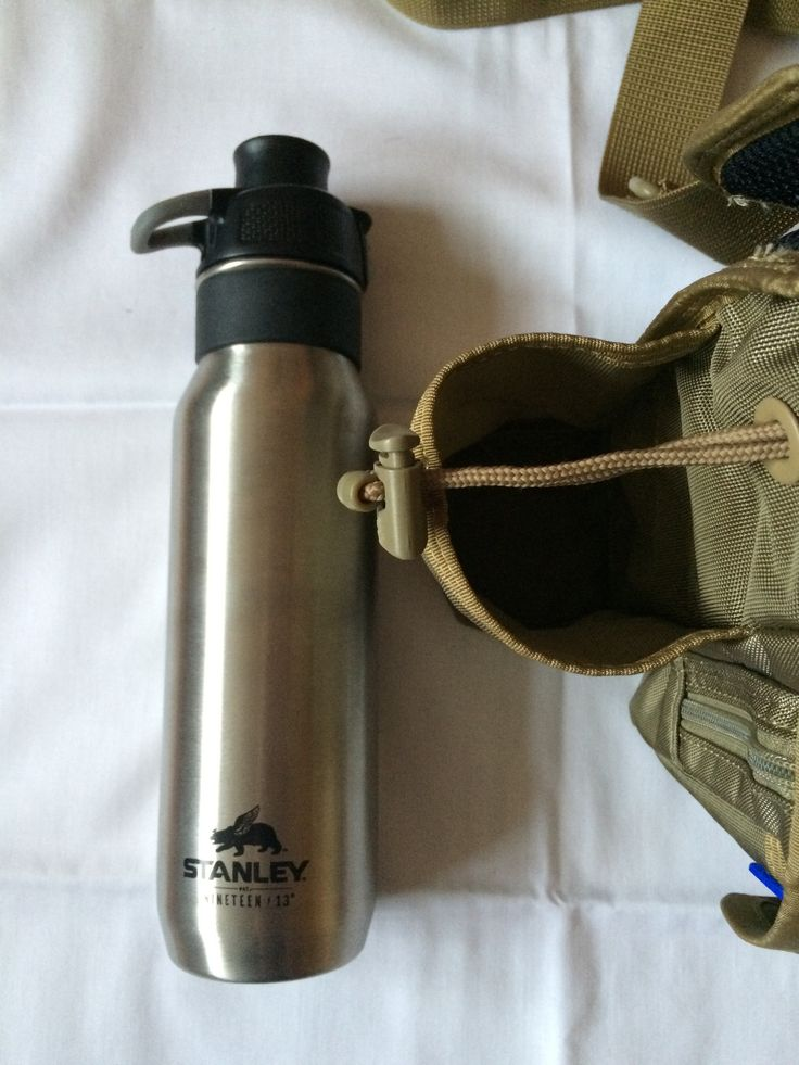 Maxpedition Versipack GTG   Stanley Nineteen 13 One Handed Hydration H20 Bottle 24oz.