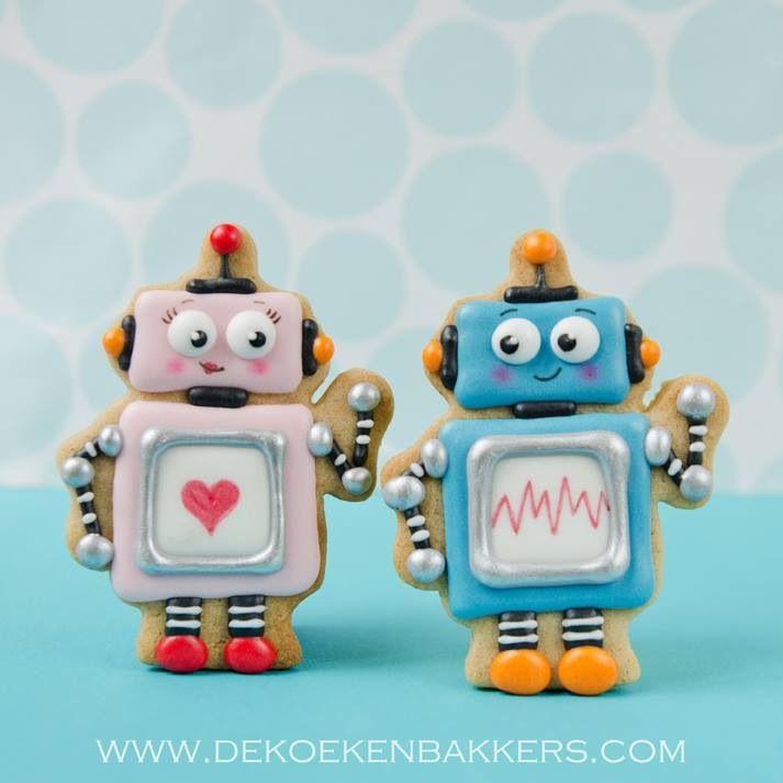 Adorable Robot cookies! http://www.annclarkcookiecutters.com/product/robot-cookie-cutter