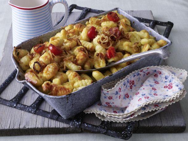 Unser beliebtes Rezept für Gratinierte Gnocchi mit Käsesahne und mehr als 55.000 weitere kostenlose Rezepte auf LECKER.de.