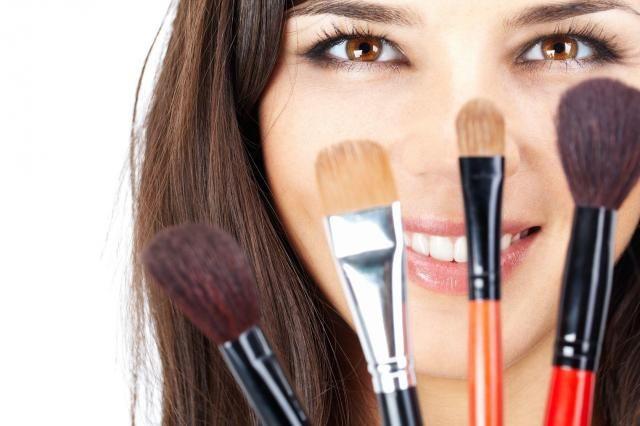 4 fakty, które musisz wiedzieć o wykonywaniu makijażu #MAKIJAŻOWE #PORADY #MAKIJAŻ #PORADY