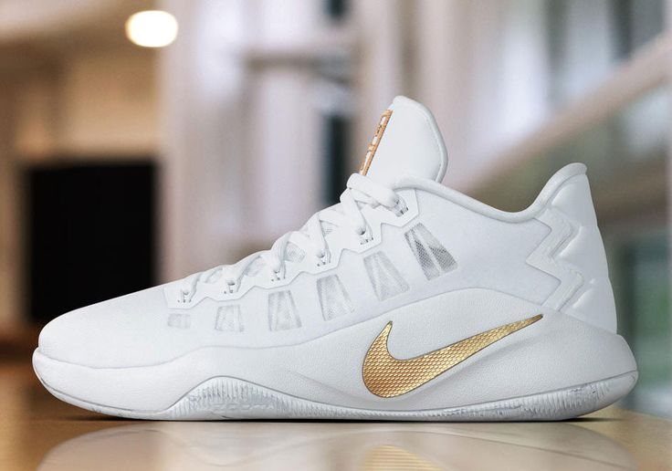 #sneakers #news  Nike Basketball Goes White And Gold For Christmas