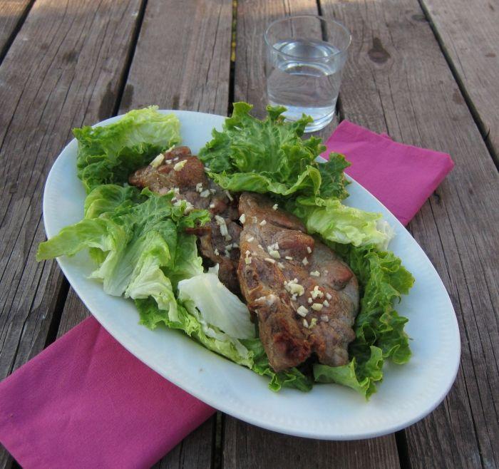 Fokhagymás tarja mézes-mustáros salátával :: Paleország :: Recepttár
