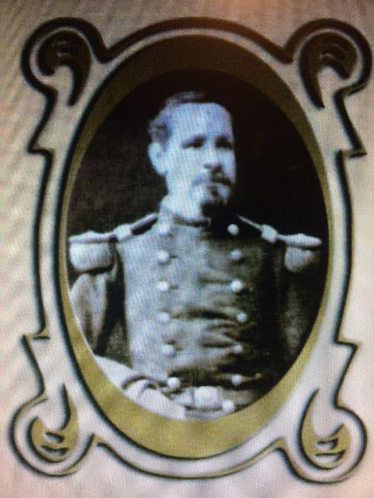 Luis de la Cuadra. Subteniente abanderado del Regimiento Esmeralda 7° de Línea. 1879 2° ayudante del Estado Mayor General del Ejército del Sur. 1880 Sargento Mayor del Batallón cívico Movilizado Chacabuco. Fallece el 12 de septiembre de 1882.