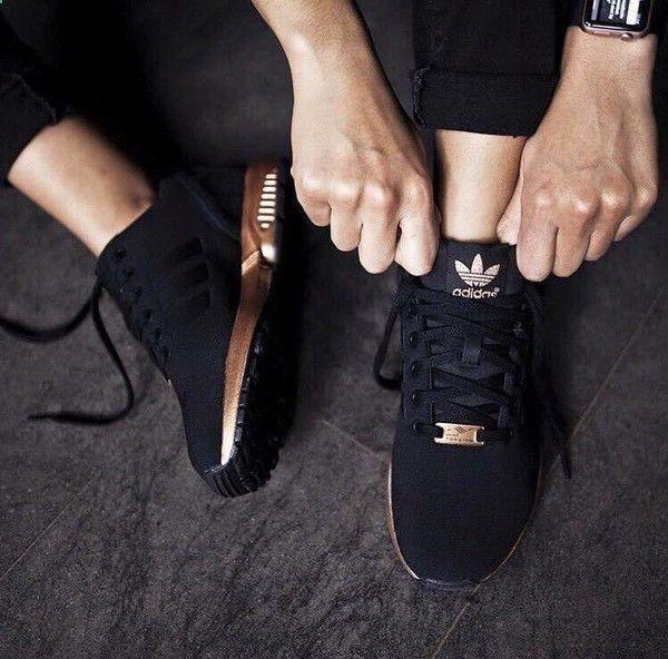 Adidas Women Shoes #petitsplaisirs #ledeclicanticlope