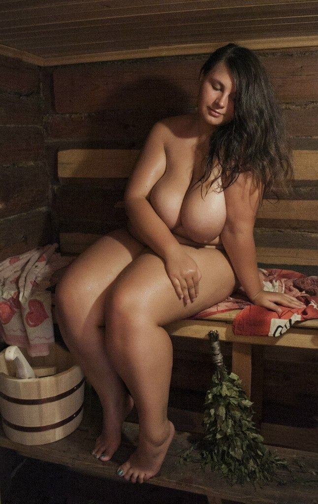 photos of nude full figured women