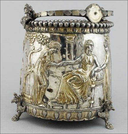 Le trésor, daté de 350 à 450 avant JC, est en exposition privée chez Bonhams à Londres. Sevso,Romania Dacian culture