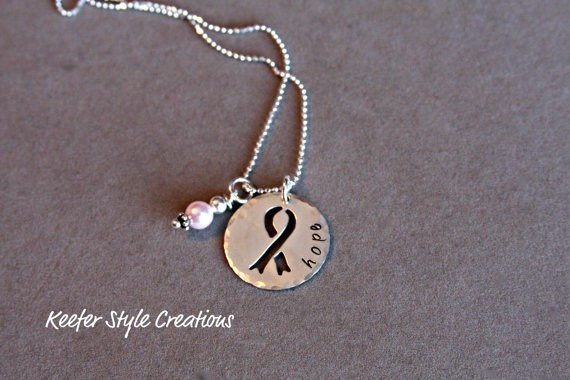 Breast Cancer Necklace: Hands Stamps, Cancer Necklaces I, Necklaces Mom, Gifts Ideas, Cancer Awareness, Hope Necklaces, Necklaces Luv, Cancer Ribbons, Awarenessbreast Cancer