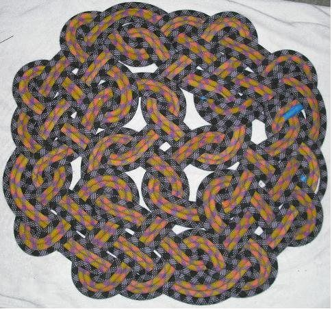 Celtic Knot Rope Rug I Ve Got This Really Thick Beige Cotton That
