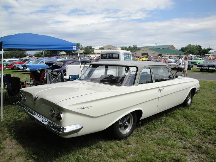 1961 - Chevrolet Biscayne - side rear
