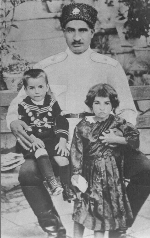 Reza Pahlavi...........http://www.pinterest.com/madamepiggymick/arab-royalty-iran/