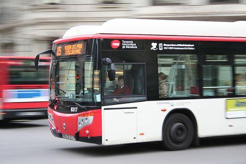 Barcelona (DE NOVO) Tips Linhas de ônibus de Barcelona que vão facilitar a sua vida (e que valem por um city tour!)