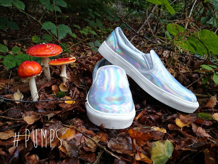 Iridescent pumps by Primark. Find out more at http://wightcatwalk.co.uk/autumn-leaves-and-shiny-shoes/
