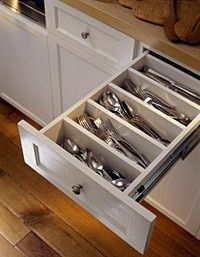kitchen organization tip- use the whole drawer for silverware storage with built in DIY slots