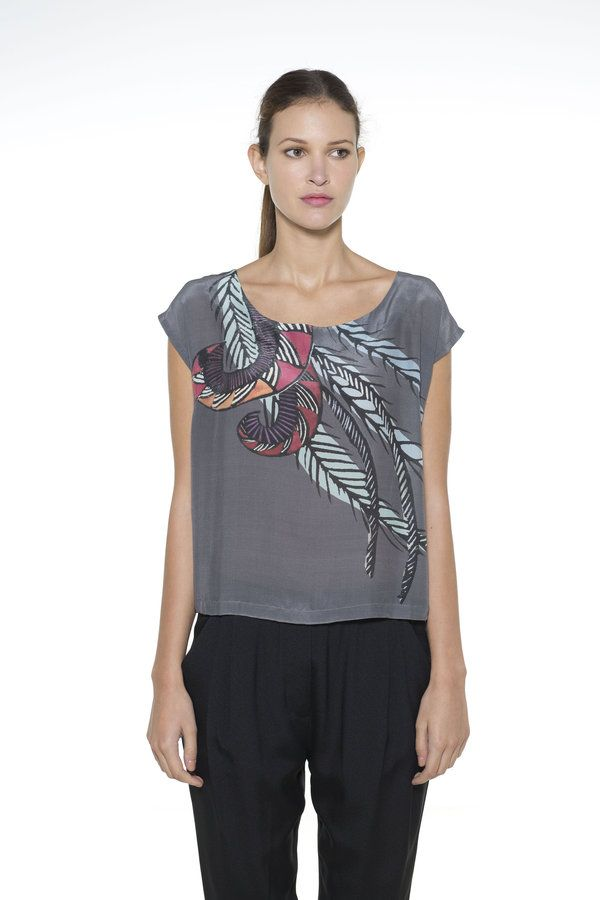 With the drop sleeve and wide round neck, this lovely top sits beautifully on a variety of body shapes, and can be dressed up or down for day or...