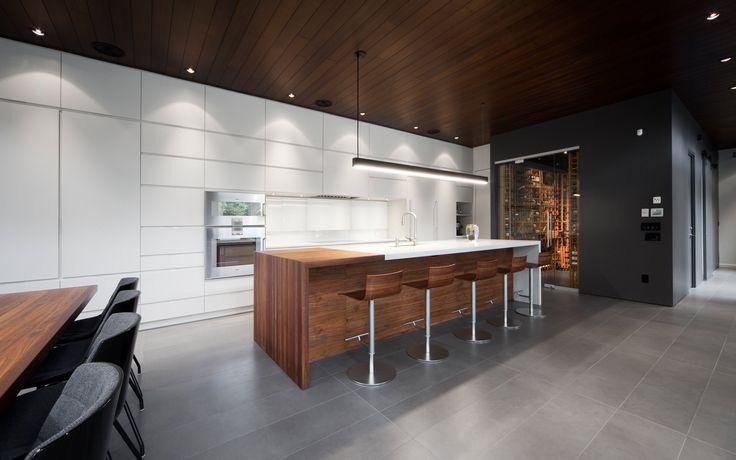 Maison Véranda | Blouin Tardif Modern architecture Veranda house, kitchen, cellar