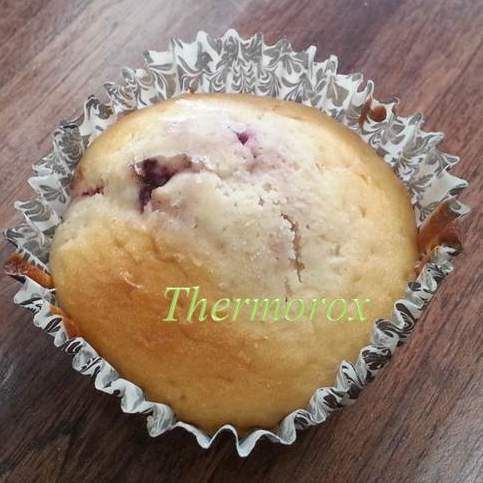 Recipe+White+Chocolate+and+Raspberry+Muffins+by+Thermorox+Sharon+-+Recipe+of+category+Baking+-+sweet