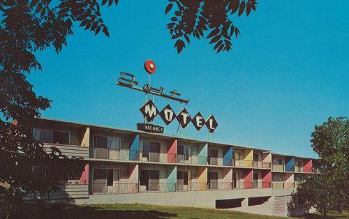 Fort Motel - Vancouver, Washington - cardboardamerica@gmail.com Jordan Smith