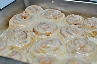 recipeCinnamon Roll Recipes, Homemade Cinnamon Rolls, Christmas Eve, Fashion Accessories, Easy Cinnamon Rolls, Christmas Mornings, Ovens, Cinnamon Rolls Recipe, Breakfast Rolls